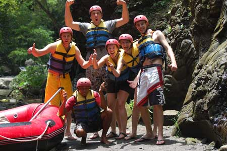 Ayung Rafting - Relief Ramayana