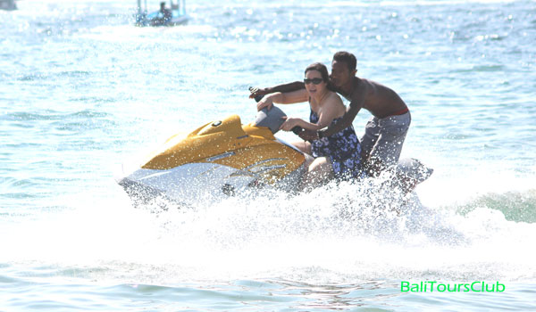 Watersport di Tanjung Benoa
