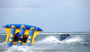 Watersport flying fish di Bali