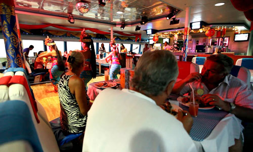 Makan malam - Bounty Sunset Dinner Cruise