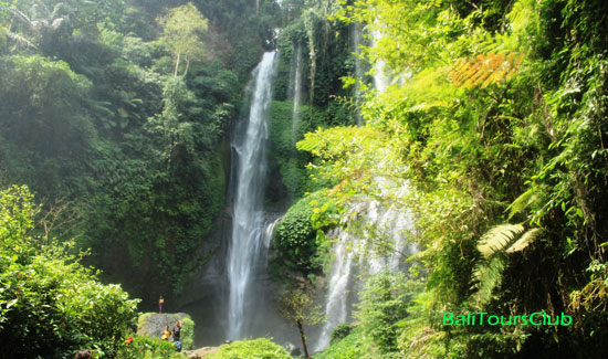 Air terjun Grombong - Twin Waterfall Lemukih