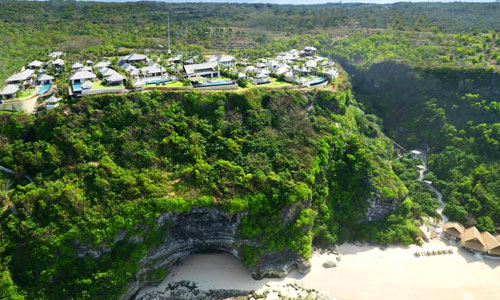 The Ungasan Clifftop Resort dan Sunday Beach Club