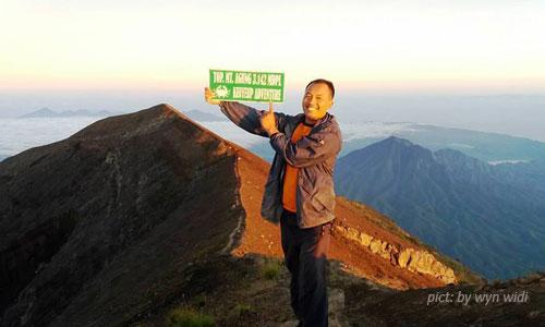 Guide mendaki ke Gunung Agung