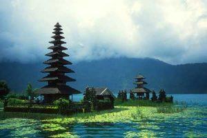 Objek wisata danau Beratan Bedugul
