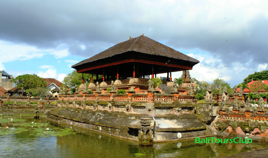 Objek wisata Kertha Gosa Klungkung