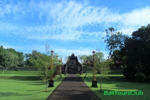 Objek wisata pura Taman Ayun