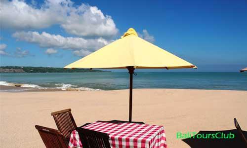 Pantai Jimbaran siang hari