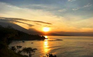 Sunset di Pantai Amed