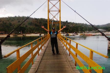 Jembatan Kuning di Nusa Lembongan