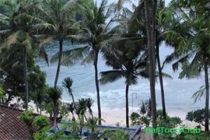Pantai Blue Lagoon dari parkir