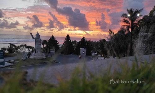 Objek wisata pantai Melasti di Ungasan Bali