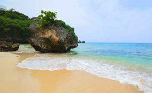 Objek wisata pantai Padang-padang Uluwatu