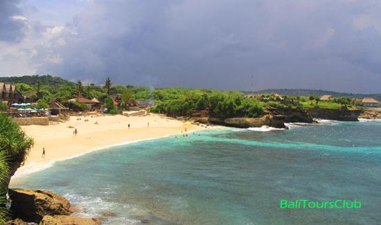 Objek wisata Dream Beach Nusa Lembongan