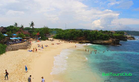 Suasana Pantai Dream Beach Nusa Lembongan