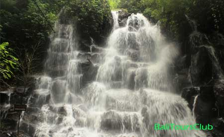 Objek wisata air terjun Kanto Lampo