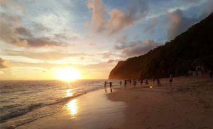 Sunset di pantai Karma Kandara