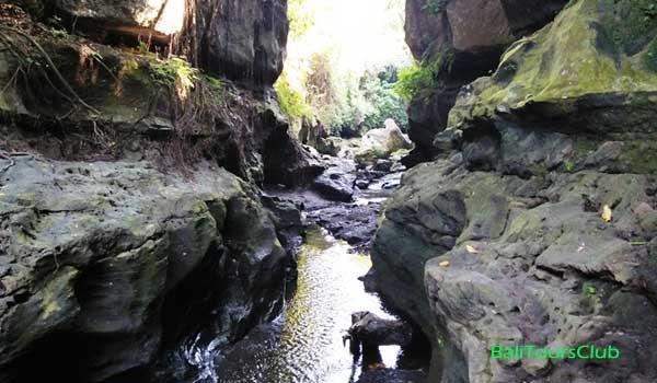 Hidden Canyon di Beji Guwang