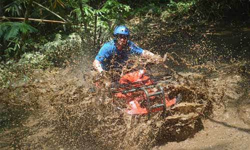 ATV Ride di Bali - melintasi tanah lumpur