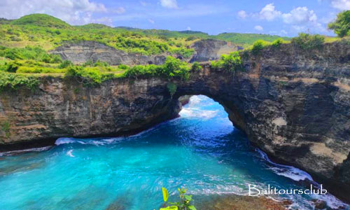 Nusa Penida - Objek wisata pasih Uug
