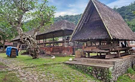 Pura di Desa Tenganan Karangasem