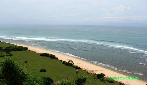 Objek wisata pantai Nyang-nyang