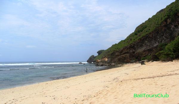 Pantai Nyang-nyang Bali