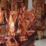 Seni ukir patung di Mas Bali