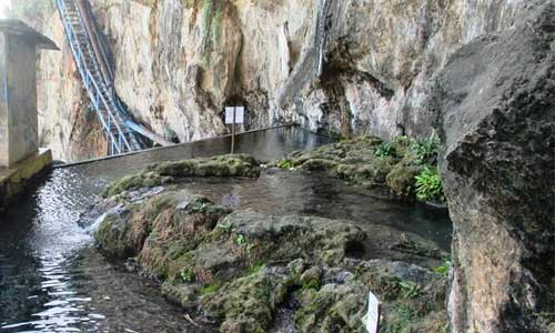 Kolam di mata air Guyangan