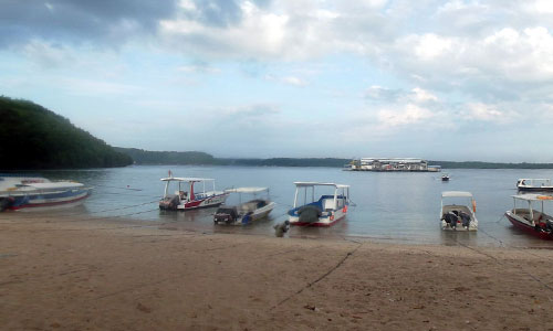 Pantai Toya Pakeh