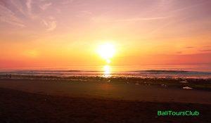 Sunrise di pantai Saba