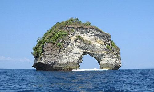 Pantai Banah di Nusa Penida