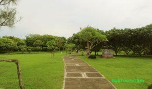 Taman di Pulau Nusa Dharma Bali