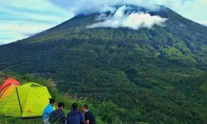 Camping di Bukit Cemara