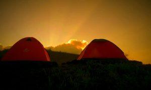 Camping atau kemah di Gunung Batur
