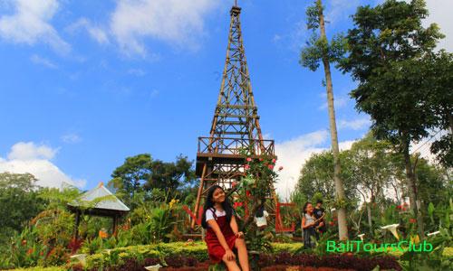 Menara Bambu di Wanagiri Tower Garden