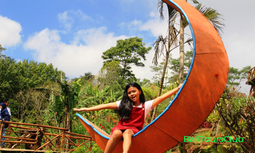 Spot foto selfie di Wanagiri Tower Garden