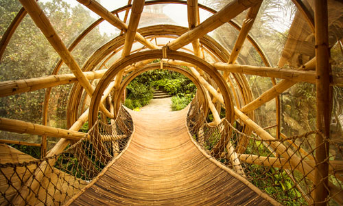 Lorong jembatan di Green Village Bali