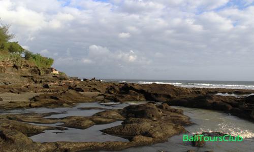 Objek wisata pantai Melasti Tanah Lot
