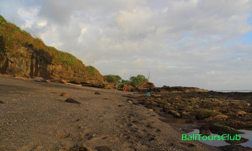 Pantai Melasti di Tanah Lot Tabanan