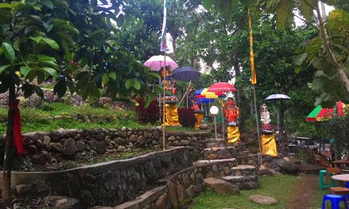 Patung dewa di Taman Tao Buleleng