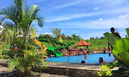 Suasana alam di Alamandaoe Pool Water Park
