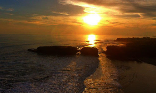 Sunset di Pantai Kelecung Tabanan