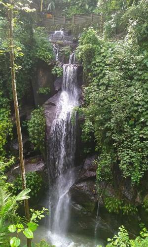 Air terjun Dedari di Jelekungkang Taman Bali.jpg