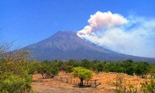 Gunung Agung di Kabupaten Karangasem
