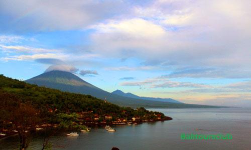 Objek wisata pantai Jemeluk di Karangasem Bali