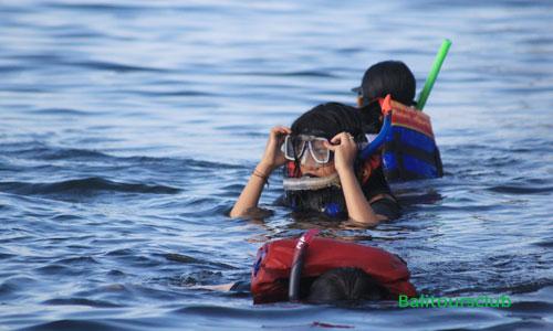 Snorkeling di objek wisata pantai Amed
