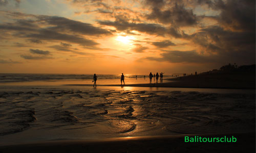 Sunset di Pantai Perancak Canggu