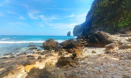 Objek wisata pantai Tembeling Nusa Penida