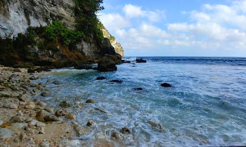Pantai Tembeling Nusa Penida
