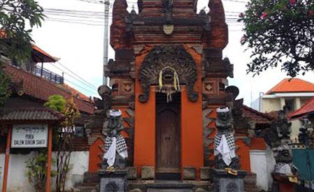 Pura Dalem Dukun Sakti di Tuban Bali